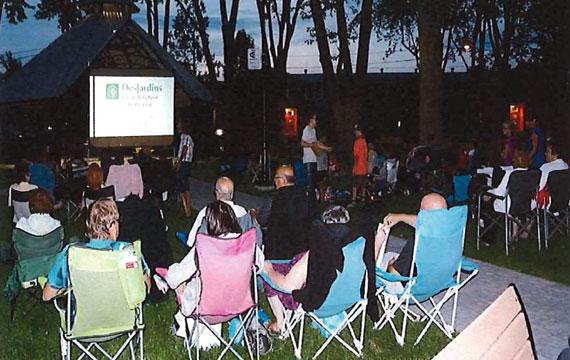Cinéma en plein air à Louiseville