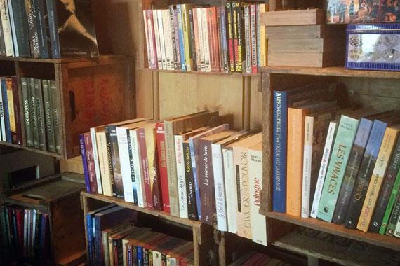 Bibliothèque communautaire au Magasin général Le Brun