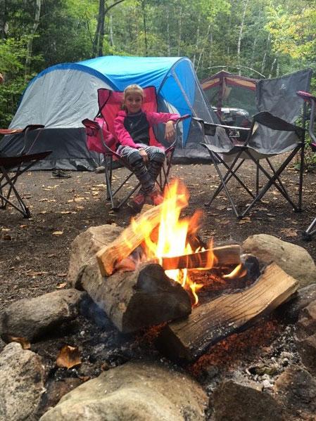 Camping au tour du feu
