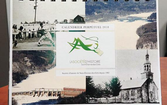 Calendrier perpétuel de photographies historiques de Saint-Étienne-des-Grès